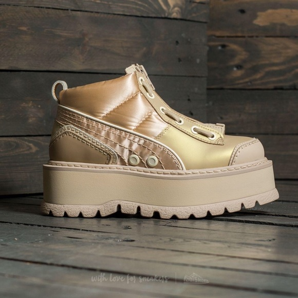 lowest price 224df ba2c0 👡 Puma Fenty Zip Platform Boots 👡 NWT